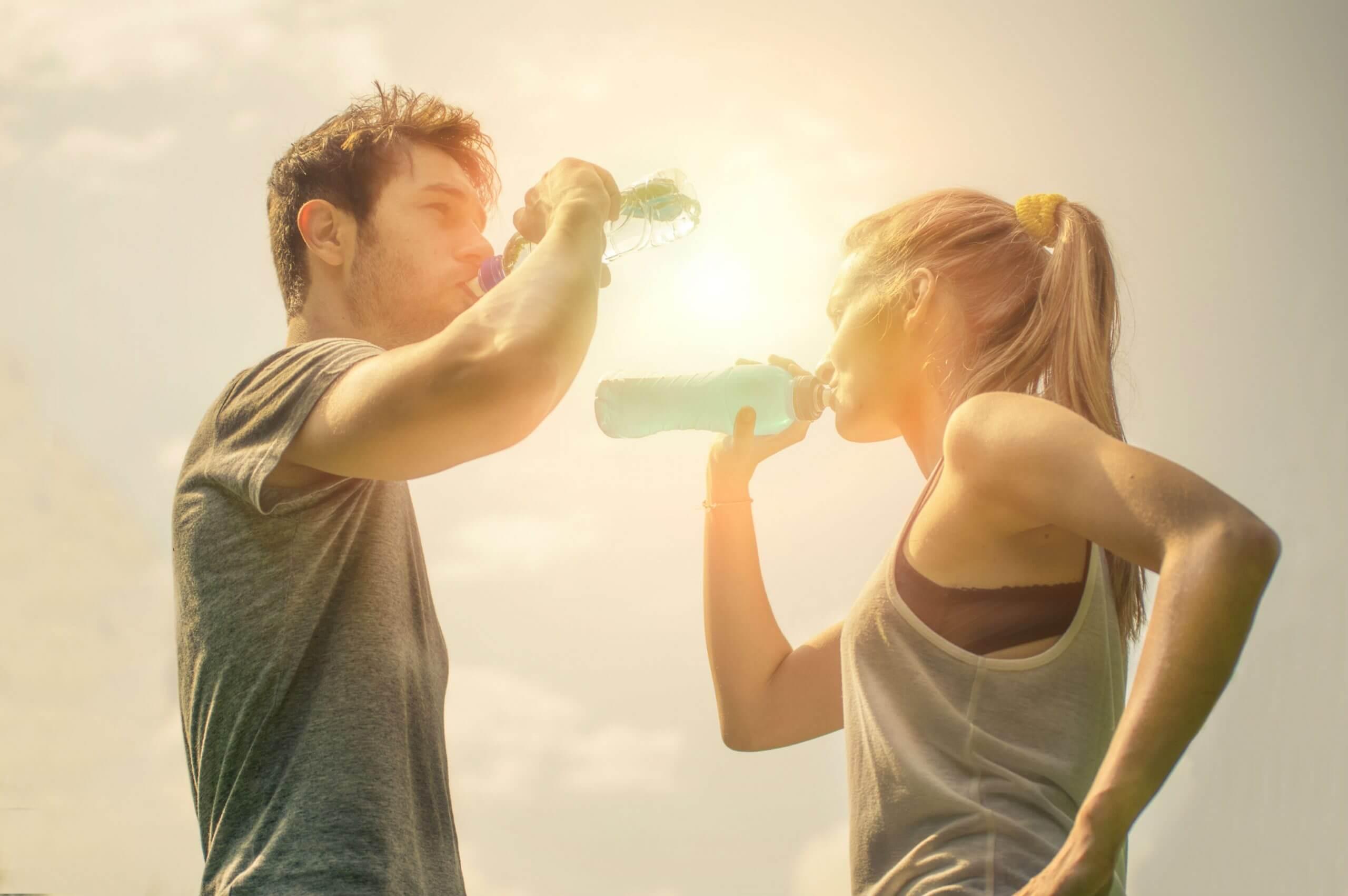 In 3 Schritten zu einem ausgeglichenen Körper. So geht's mit Elektrolyten!